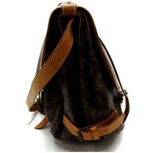 Louis Vuitton Bags - Auth Louis Vuitton Saumur 43 Crossbody #2917L27